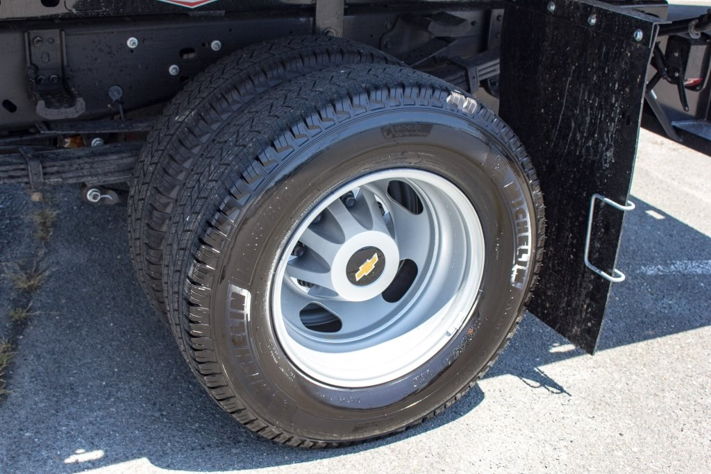 2017 Silverado 3500 Regular Cab DRW 4x4,  Knapheide Platform Body #FK3991 - photo 16