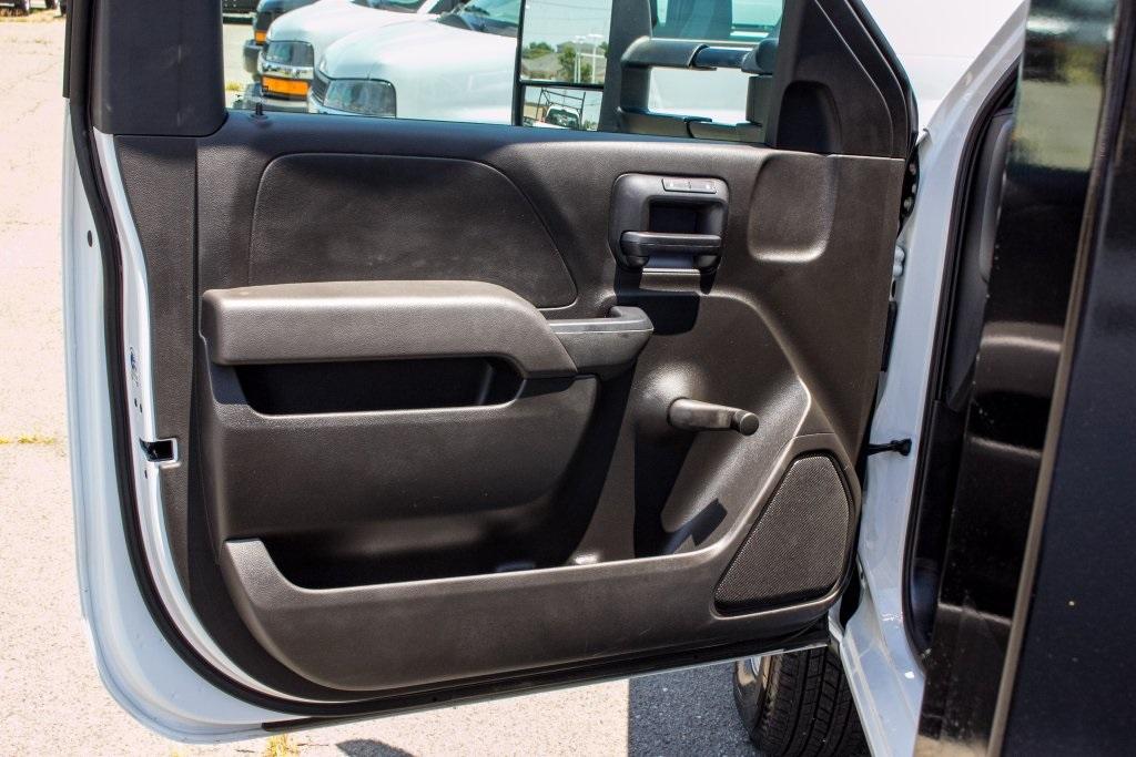 2017 Silverado 3500 Regular Cab DRW 4x4,  Knapheide Platform Body #FK3991 - photo 17