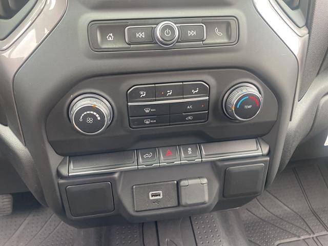 2020 Chevrolet Silverado 1500 Crew Cab 4x4, Pickup #FK4533A - photo 17