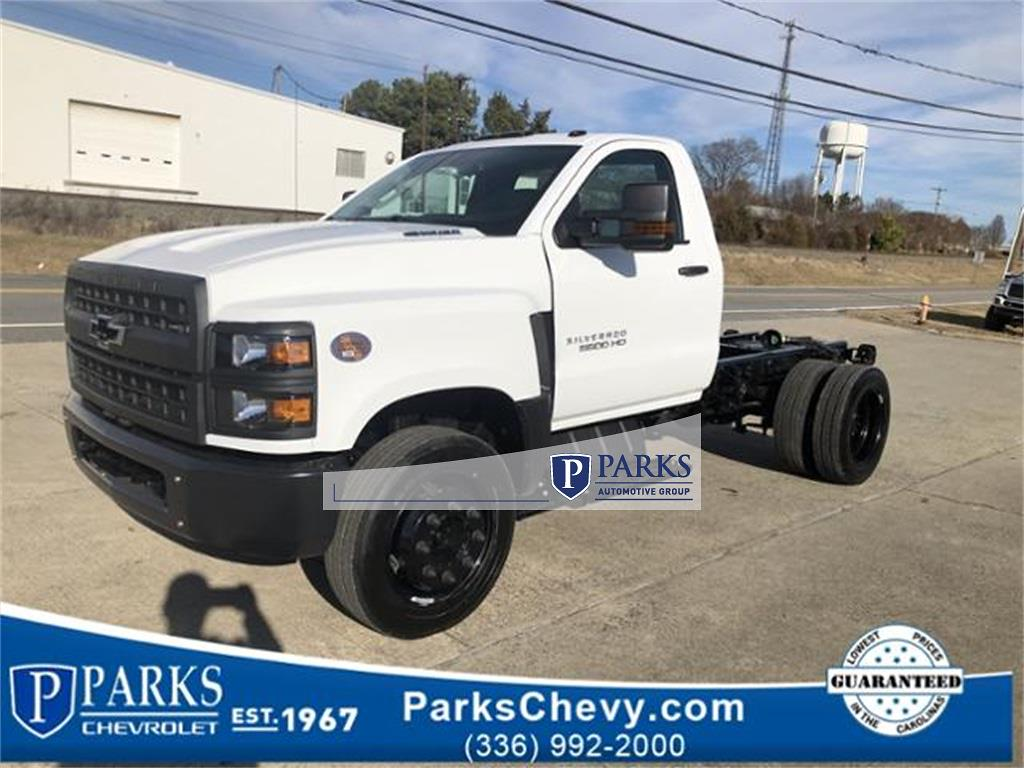 2020 Silverado 5500 Regular Cab DRW 4x2, Cab Chassis #FK7135 - photo 1