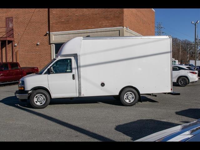 2020 Chevrolet Express 3500 4x2, Supreme Spartan Cargo Cutaway Van #FK7506 - photo 4