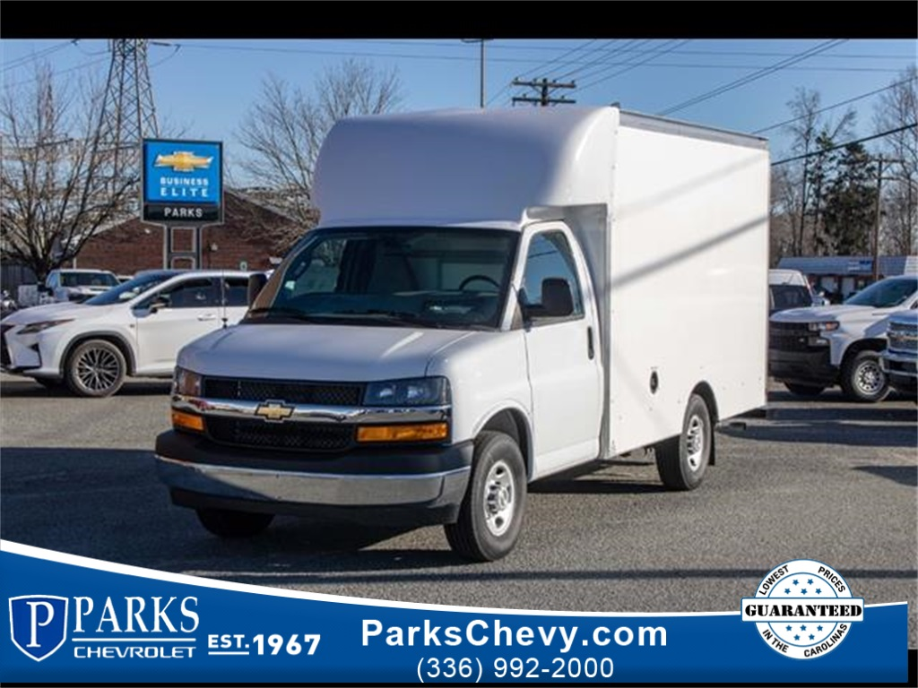 2020 Chevrolet Express 3500 4x2, Supreme Cutaway Van #FK7621 - photo 1