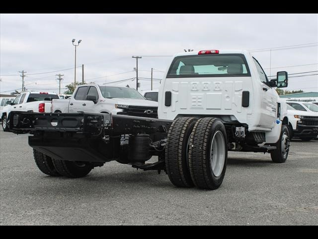2019 Chevrolet Silverado 6500 Regular Cab DRW 4x2, Cab Chassis #FK8214 - photo 4