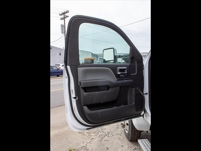 2020 Chevrolet Silverado 5500 Regular Cab DRW 4x2, Cab Chassis #FK9842X - photo 10