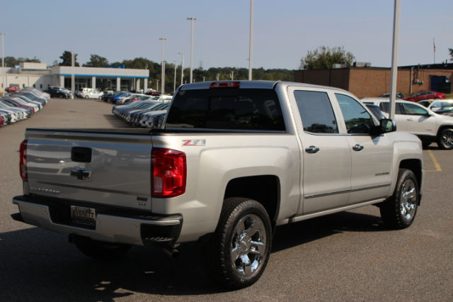2017 Silverado 1500 Crew Cab 4x4 Pickup #T17-662 - photo 2