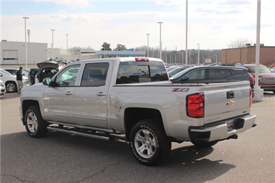 2018 Silverado 1500 Crew Cab 4x4 Pickup #T18-256 - photo 4