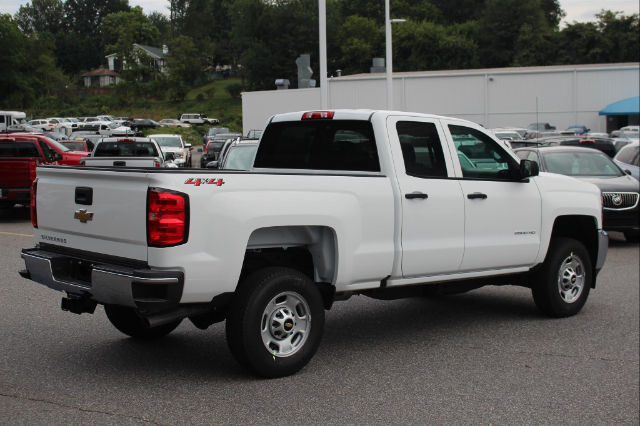 2018 Silverado 2500 Extended Cab 4x4 Pickup #T18-37 - photo 2