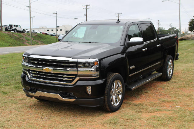 2018 Silverado 1500 Crew Cab 4x4 Pickup #T18-61 - photo 3