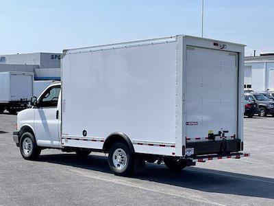 2021 Express 3500 4x2,  Morgan Truck Body Cutaway Van #M1193841 - photo 2