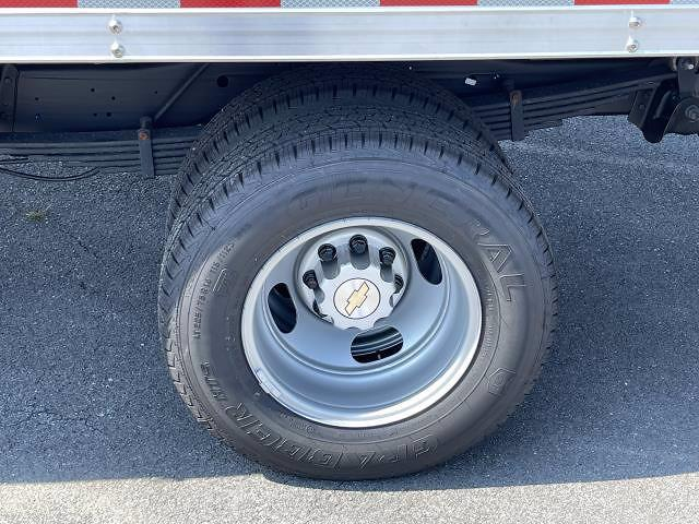 2021 Express 3500 4x2,  Morgan Truck Body Parcel Aluminum Cutaway Van #M1238701 - photo 15