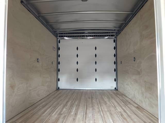 2021 Express 3500 4x2,  Morgan Truck Body Parcel Aluminum Cutaway Van #M1238701 - photo 33