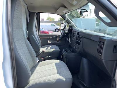 2021 Express 3500 4x2,  Morgan Truck Body Parcel Aluminum Cutaway Van #M1238701 - photo 18