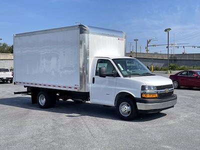 2021 Express 3500 4x2,  Morgan Truck Body Parcel Aluminum Cutaway Van #M1238701 - photo 9