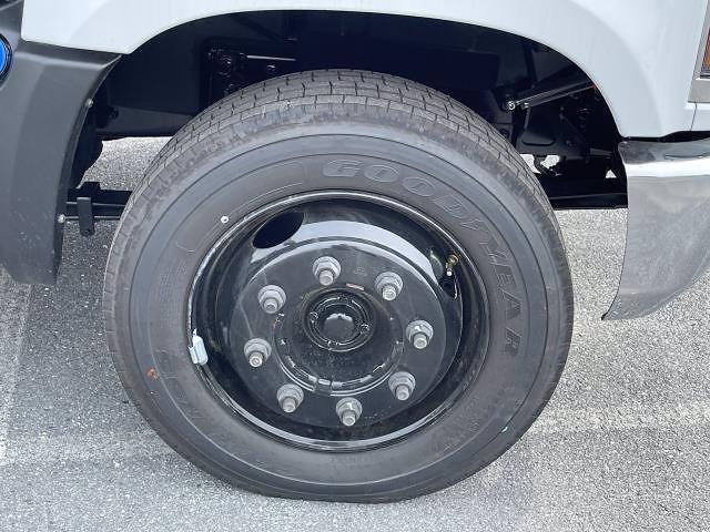 2021 Silverado 5500 Regular Cab DRW 4x2,  Morgan Truck Body Prostake Platform Body #MH803614 - photo 16