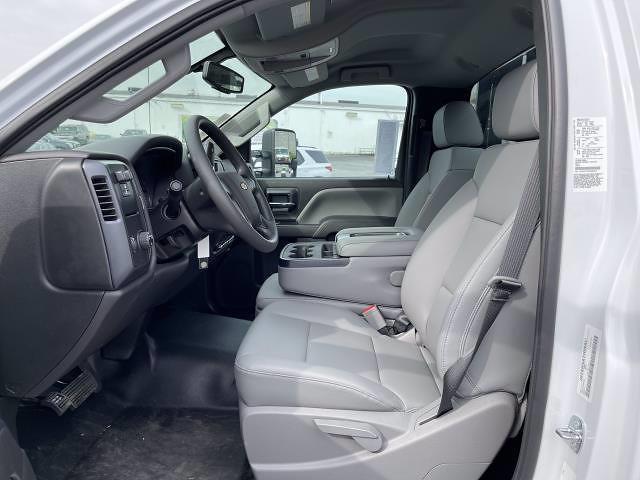 2021 Silverado 5500 Regular Cab DRW 4x2,  Morgan Truck Body Prostake Platform Body #MH803614 - photo 21