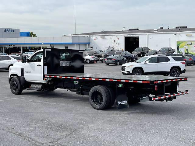 2021 Silverado 5500 Regular Cab DRW 4x2,  Morgan Truck Body Prostake Platform Body #MH803614 - photo 5