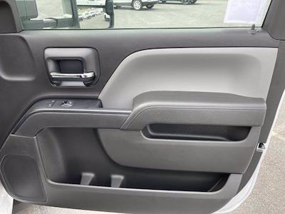 2021 Silverado 5500 Regular Cab DRW 4x2,  Morgan Truck Body Prostake Platform Body #MH803614 - photo 17