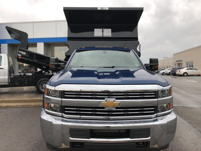2017 Silverado 3500 Regular Cab DRW 4x4, Dump Body #HZ318637 - photo 4