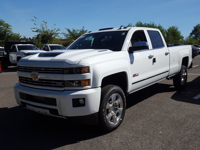 2018 Silverado 2500 Crew Cab 4x4 Pickup #JF135046 - photo 1