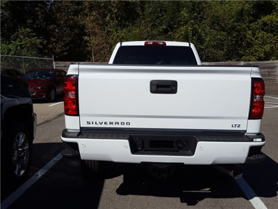 2018 Silverado 2500 Crew Cab 4x4 Pickup #JF135046 - photo 8