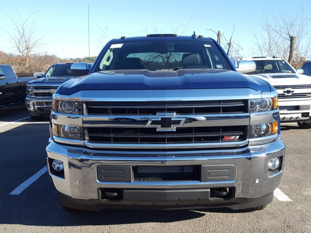 2018 Silverado 2500 Crew Cab 4x4 Pickup #JF155634 - photo 4