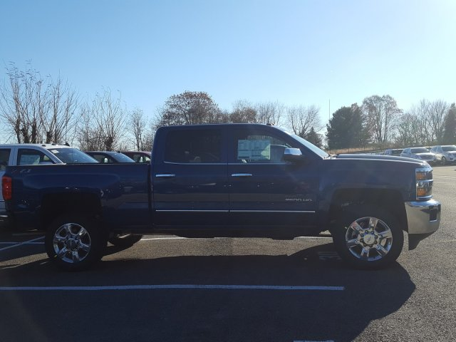 2018 Silverado 2500 Crew Cab 4x4 Pickup #JF155634 - photo 5