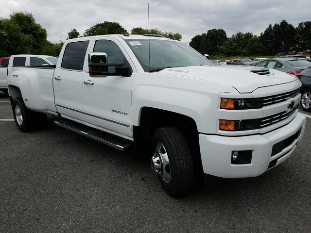 2018 Silverado 3500 Crew Cab 4x4,  Pickup #JF257314 - photo 3