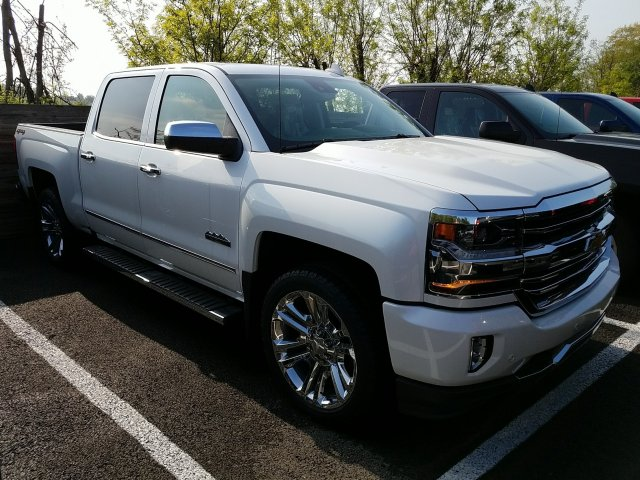 2018 Silverado 1500 Crew Cab 4x4,  Pickup #JG251403 - photo 3