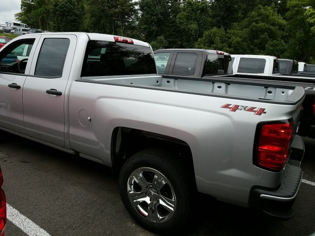 2018 Silverado 1500 Double Cab 4x4,  Pickup #JZ351327 - photo 2