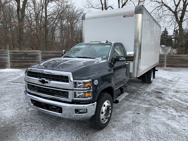 2019 Silverado Medium Duty Regular Cab DRW 4x2, Morgan Gold Star Dry Freight #KH245329 - photo 1
