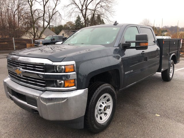 2017 Silverado 3500 Crew Cab 4x4 Service Body #V169461 - photo 4