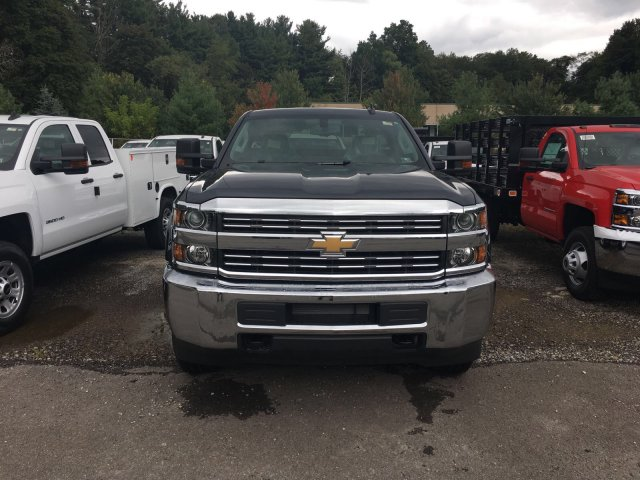 2017 Silverado 3500 Regular Cab 4x4, Knapheide Service Body #V283082 - photo 4