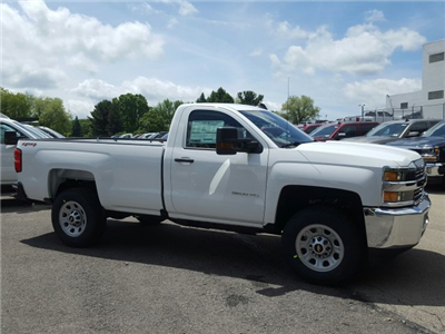 2017 Silverado 3500 Regular Cab 4x4, Pickup #V334088 - photo 5
