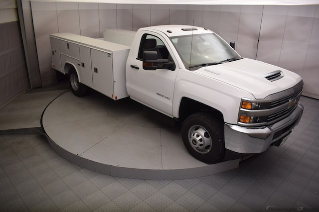 2018 Silverado 3500 Regular Cab DRW 4x4, Reading SL Service Body #C180411 - photo 3