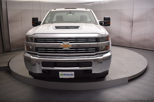 2018 Silverado 3500 Regular Cab DRW 4x4,  Reading Service Body #C180411 - photo 5