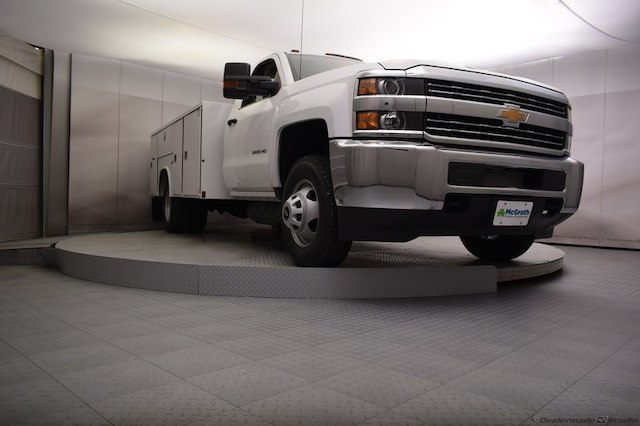 2018 Silverado 3500 Regular Cab DRW 4x4,  Reading Service Body #C180411 - photo 24
