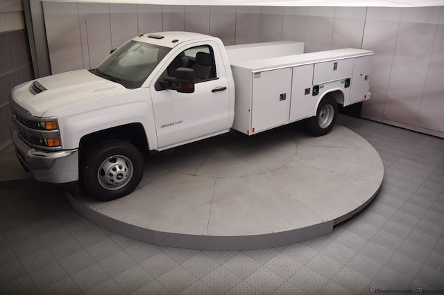 2018 Silverado 3500 Regular Cab DRW 4x4,  Reading Service Body #C180411 - photo 32