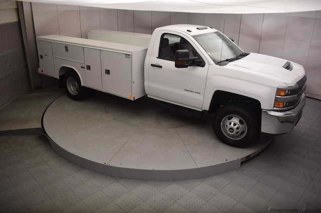 2018 Silverado 3500 Regular Cab DRW 4x4,  Reading Service Body #C180554 - photo 3