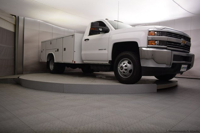 2018 Silverado 3500 Regular Cab DRW 4x4, Reading SL Service Body #C180554 - photo 22