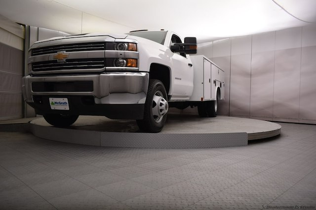 2018 Silverado 3500 Regular Cab DRW 4x4, Reading SL Service Body #C180554 - photo 24
