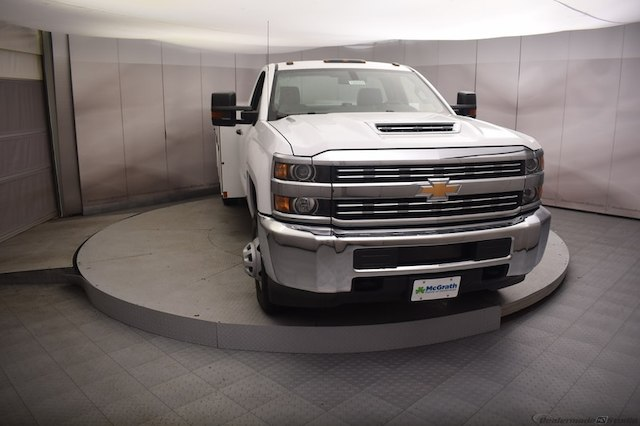 2018 Silverado 3500 Regular Cab DRW 4x4,  Reading Service Body #C180554 - photo 4