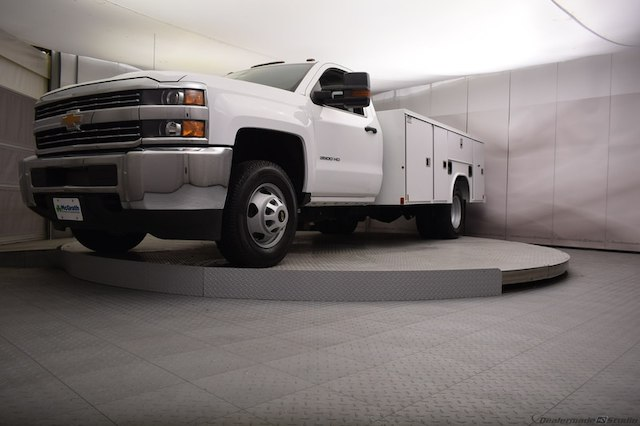 2018 Silverado 3500 Regular Cab DRW 4x4,  Reading SL Service Body #C180554 - photo 28