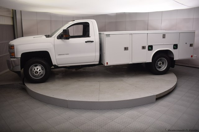 2018 Silverado 3500 Regular Cab DRW 4x4,  Reading SL Service Body #C180554 - photo 31