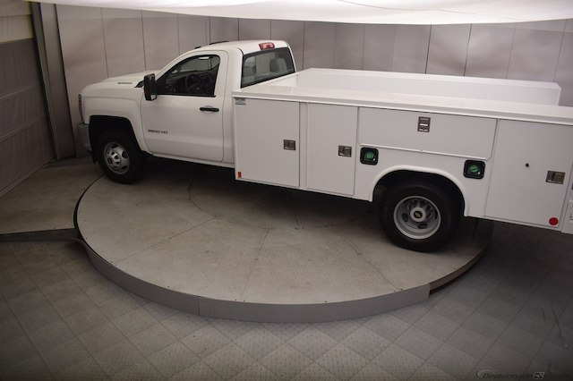 2018 Silverado 3500 Regular Cab DRW 4x4,  Reading Service Body #C180554 - photo 32