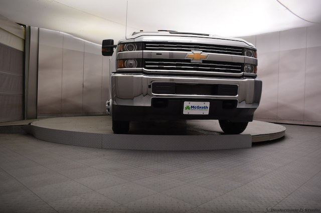 2018 Silverado 3500 Regular Cab DRW 4x4,  Reading SL Service Body #C180554 - photo 34