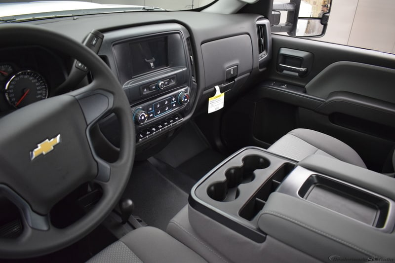 2018 Silverado 3500 Regular Cab DRW 4x4,  Reading Service Body #C180554 - photo 23