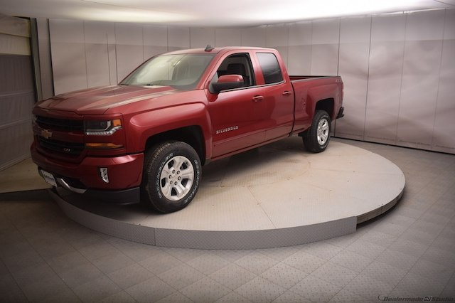 2018 Silverado 1500 Double Cab 4x4, Pickup #C180762 - photo 5