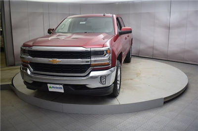 2018 Silverado 1500 Double Cab 4x4, Pickup #C180932 - photo 4
