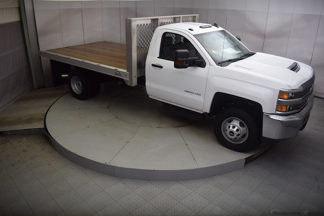 2018 Silverado 3500 Regular Cab DRW 4x4, Knapheide PGNB Gooseneck Platform Body #C180965 - photo 3