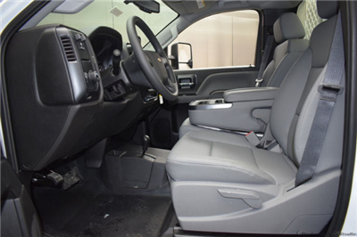 2018 Silverado 3500 Regular Cab DRW 4x4, Knapheide PGNB Gooseneck Platform Body #C180965 - photo 14